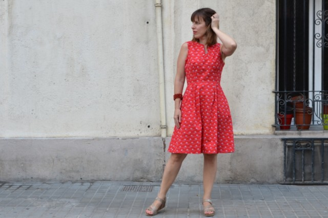 Vestido rojo atelier brunette
