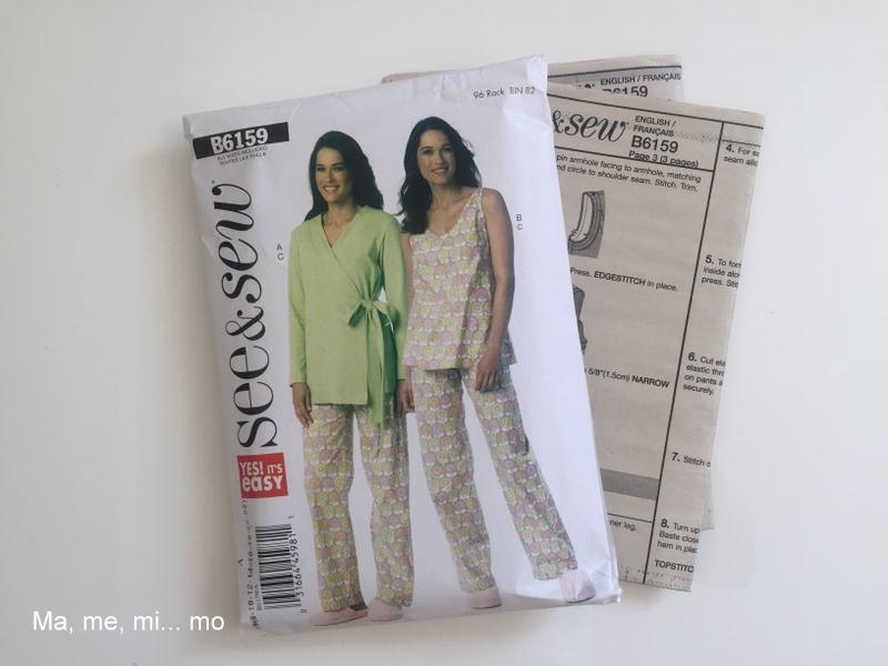 Pijama de verano con elefantes